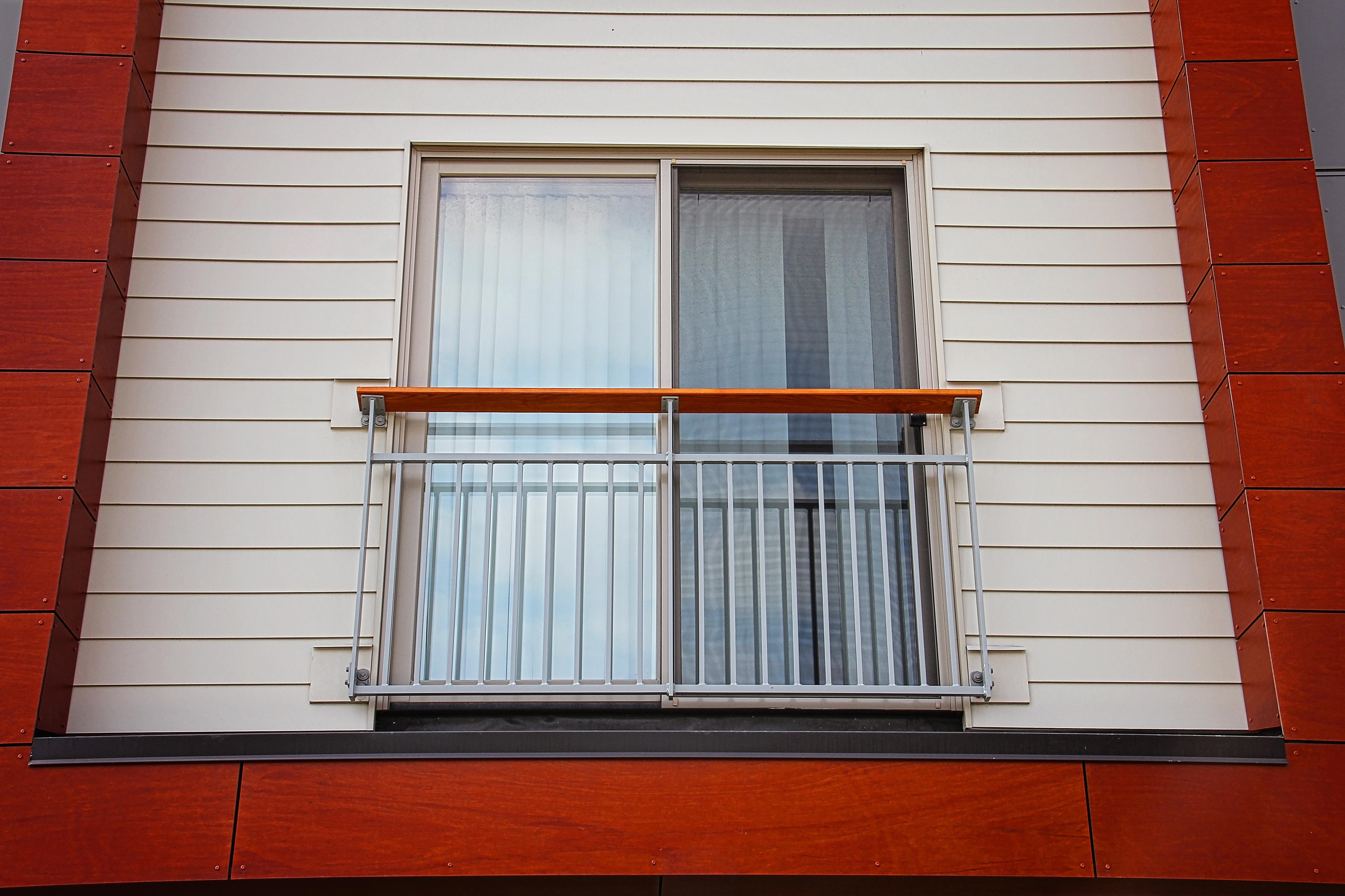 Wedge Point Balcony Railing